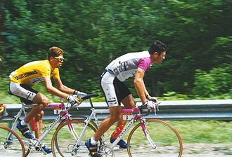 HTC–Highroad - 1997 Tour: Jan Ullrich in the leader's jersey, with Udo Bölts riding in support.