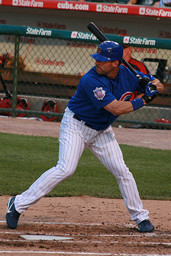 Jim Edmonds am Schlag für die Chicago Cubs 2008