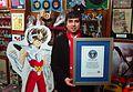 Jorge de Pegaso con el Record Guinness.jpg
