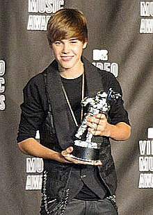 Description de l'image  Justin Bieber - MTV Video Music Awards 2010 cropped.jpg.