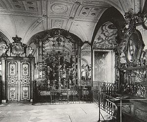 Schatzkammer - The Green Vault in Dresden Castle (as at 1904)