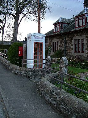 K3 Telephone Kiosk, Scotland.jpg