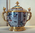 Kangxi porcelain adorned with French bronze mount 1710-1720.jpg