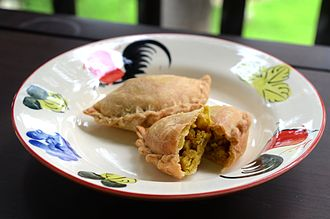 Curry puff - Thai Karipap normally only contains chicken, potato, onion, and curry powder