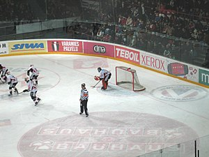 HPK - Karri Rämö shared the netminding duties with Miika Wiikman during the 2005-06 season. Image from the match vs. HIFK, January 2006.