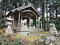 Kikube-Jinjya(Yosano)社殿と狛犬、灯籠.jpg