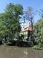 Kilianskirche und ehemaliges Pfarrhaus über die Aurach hinweg gesehen.JPG