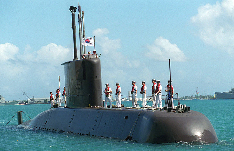 بناء غواصات طراز ''209'' بألمانيا لصالح مصر - صفحة 5 800px-Korean_submarine_LEE_CHUN