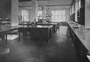 Johnston Laboratories - Image: Laboratory of Bio Chemistry, Johnston Laboratories 1903