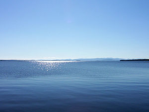 English: Lake Champlain in September from Vermont