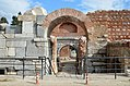 Lefke Gate (the eastern gate) with Roman triumphal arch dating to the 1st century AD, later part of Nicaea's Byzantine fortifications, Iznik, Turkey (38413017196).jpg