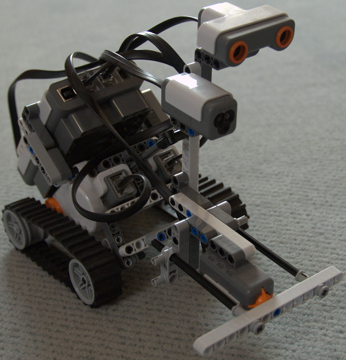 Lego Mindstorms NXT 2.0 - Wikipedia