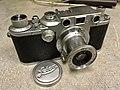 Leica IIIc red curtain 1940 (32785214864).jpg