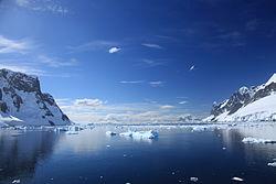 Lemaire Channel, Antarctica.jpg