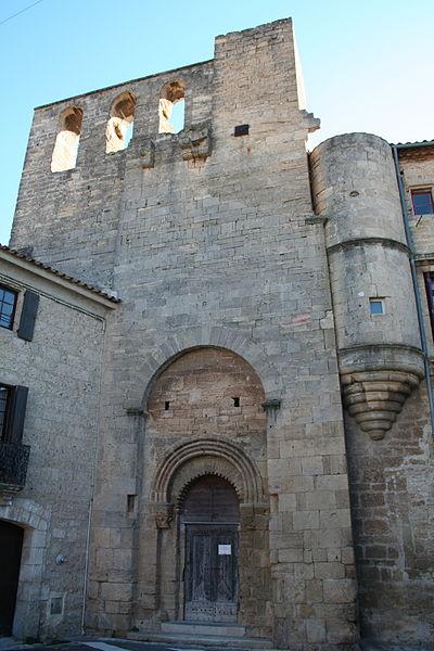 Loupian  (Hérault) - église castrale Saint-Hyppolite (art roman).