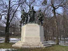 Monument to Empress Maria Ludovika in Budapest (Source: Wikimedia)
