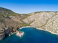 Luftbild Nikolaos Strand Hydra (43058429490).jpg