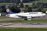 Lufthansa Boeing 737-530 D-ABIX 'Iserlohn' (25111385260).jpg