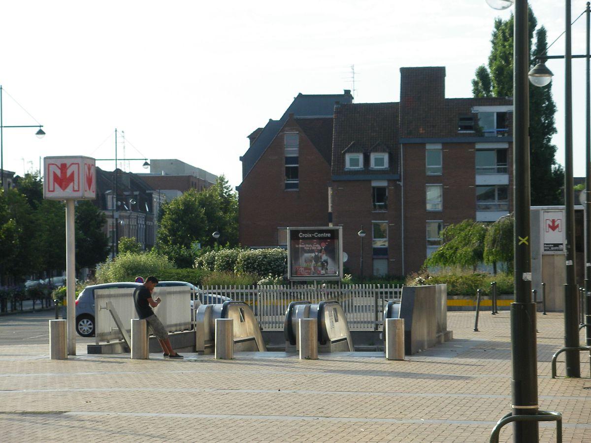 Croix centre wikipedia - Station essence porte des postes lille ...