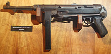 MP 40 Schmeisser Machine pistol- randolf museum.jpg