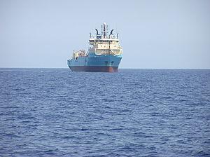 Maersk Defender - Aug. 2004.jpg