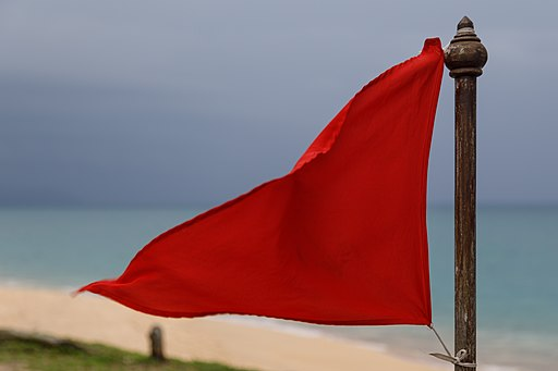 Mai-Khao-Beach Phuket Warning-flag-01