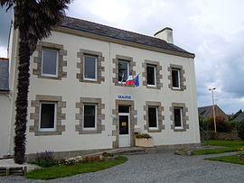 The town hall in Baye