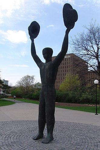 Commissioners Park (Ottawa) - Image: Man With Two Hats Ottawa Statue