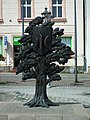 Market square in Swiecie n Wisla (tree monument).jpg