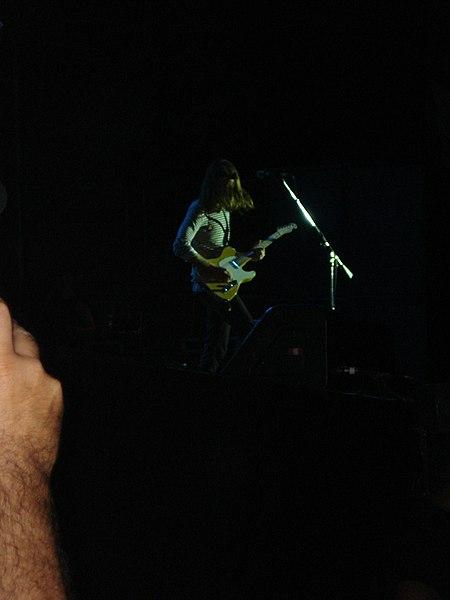 File:Maroon 5 @ HSBC Arena (3012230290).jpg
