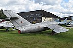 Mikoyan-Gurevich MiG-17 '01 red' (24550060197).jpg
