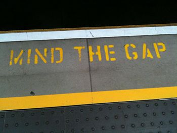 "English: ""Mind the Gap"" - you hear t..."