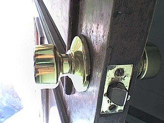 Bored cylindrical lock - Image: Mis fotos de celular 019