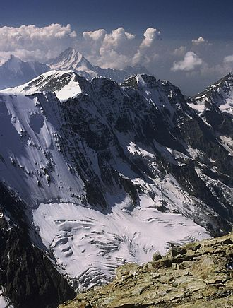 Mittaghorn - The northern side of the Mittaghorn (centre-left summit)