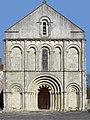 Montmoreau Église façade 2012.jpg