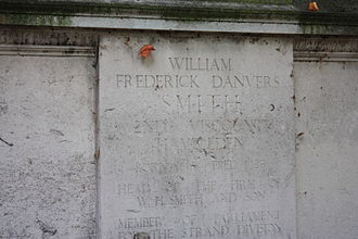 Frederick Smith, 2nd Viscount Hambleden - Monument to Smith in the gardens of Lincoln's Inn Fields, London