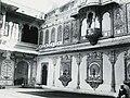 Mosaikkarbeider i maharajahen av Mewars palass (5256858813).jpg
