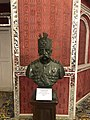 Mozaffer-din Shah statute 7971.jpg