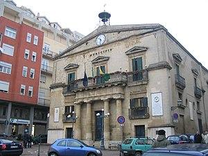 Il municipio di Enna, sede del Teatro Garibaldi