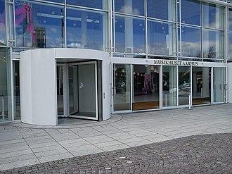 Musikhuset Aarhus - Image: Musikhuset (indgang)