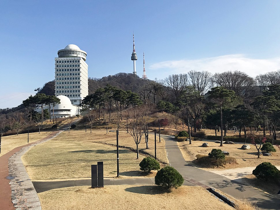 N-Seoul-Tower and Namsan Park (26876783888)