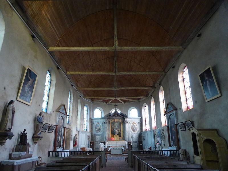 Nef de l'église Saint-Éloi-Saint-Jean-Baptiste de Crécy-Couvé, Eure-et-Loir (France).