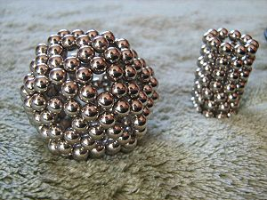 Neodymium magnet toys - Neodymium magnet spheres used to form different shapes