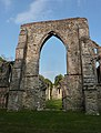 Netley Abbey Ruin - Just before Closing - panoramio.jpg