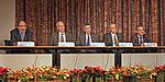Para penerima Nobel 2012 Alvin E. Roth, Brian Kobilka, Robert J. Lefkowitz, David J. Wineland, dan Serge Haroche pada acara tersebut