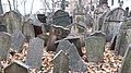 Old Jewish cemetery in Prague.jpg