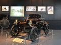 "Oldsmobile ""Curved Dash"" 1904 (14661747407).jpg"