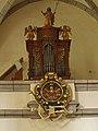 Orgel und Totenschild in der Pfarrkirche Hl. Wolfgang in St. Wolfgang.jpg