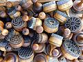 Ouzbékistan-Tampons en bois clouté pour le marquage du pain.jpg
