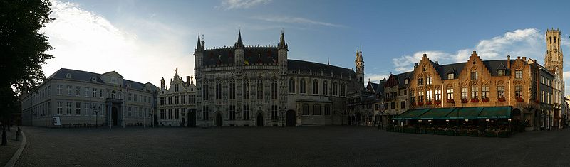 The Burg (nl) square at dawn.